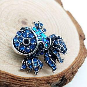 Jewelry - Fish Brooch